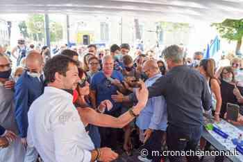Assembramenti a Porto Recanati per Salvini Tanti selfie e nessun candidato sicuro «Decidiamo entro la settimana» - Cronache Ancona