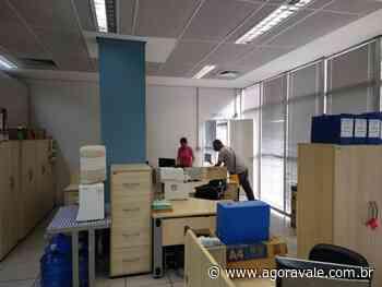 Prefeitura de Pindamonhangaba realiza desinfecção na área interna do paço municipal - AgoraVale