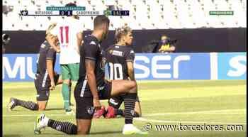 """""""Protocolo bom é o que respeita vidas"""": Botafogo entra em campo com faixa e jogadores se ajoelham no gramado - Torcedores.com"""