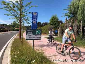 Oeps! Borden langs nieuwe fietssnelweg sturen fietsers verke... (Meise) - Het Nieuwsblad