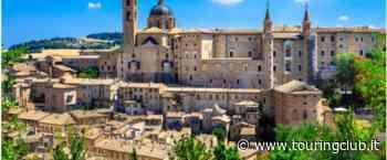 """""""L'Umbria si prepara a celebrare Raffaello"""": Urbino - Gubbio - Citta di Castello (da Varese) - Eventi Arte e cultura - touringclub.it"""