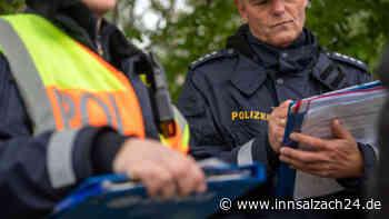 Ampfing: Unfallfahrer beschädigt parkenden VW - Polizei bittet um Hinweise - innsalzach24.de