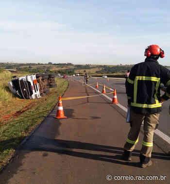Acidente com caminhão fecha Bandeirantes - Correio Popular