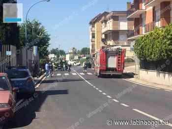 Finisce con l'auto fuori strada e danneggia la tubatura del gas: ferito un uomo - latinaoggi.eu