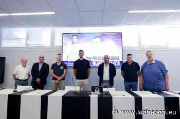 La Top Volley Cisterna ha presentato uno dei volti nuovi, Oreste Cavuto - latinaoggi.eu