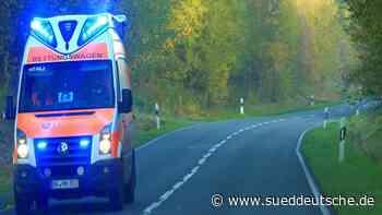 Motorroller und Auto kollidieren: 16-Jährige schwer verletzt - Süddeutsche Zeitung