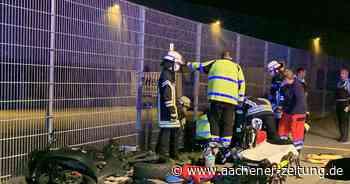 Alleinunfall: Motorradfahrer bleibt mit Kopf unter Zaun stecken - Aachener Zeitung