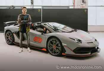 Lamborghini Aventador SVJ 63 Roadster: Jorge Lorenzo prende in consegna la sua nuova supercar - Motorionline