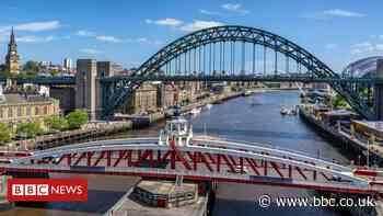 Coronavirus: Newcastle 'mindless idiots' prompt bridge jump warning