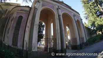 Sviene al cimitero tra le tombe: trovato di notte e salvato - Il Giornale di Vicenza