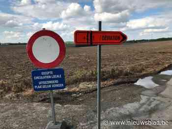 """Gemeente laat Franstalige wegwijzers staan """"omdat aannemer geen Nederlandstalige borden heeft"""""""