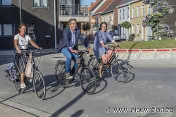 """Nieuw mobiliteitsbeleid legt fietsers in de watten: """"Tegen 2024 hebben we ruim 35 kilometer aan fietsvoorzieni - Het Nieuwsblad"""