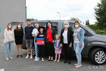 Zesdeklassers Prizma-De Wegwijzer uit Ingelmunster deden een 'Tour des Diplômes' - Krant van Westvlaanderen