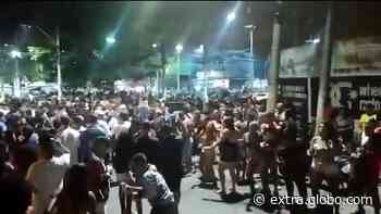 Polícia acaba com baile funk em Duque de Caxias - Extra