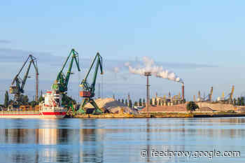 Coal sea port of Shakhtersk increases volume of coal shipments by 47% in 5 months