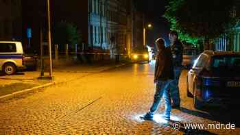 Beine eines Polizisten in Apolda überrollt - Fahndung läuft noch immer - MDR