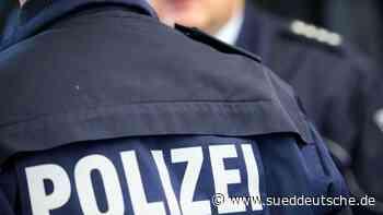 Betrunkene 17-Jährige schlägt nach Bundespolizisten - Süddeutsche Zeitung