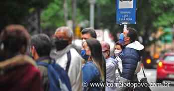 Passageiros reclamam da demora dos ônibus em Porto Alegre - Jornal Correio do Povo