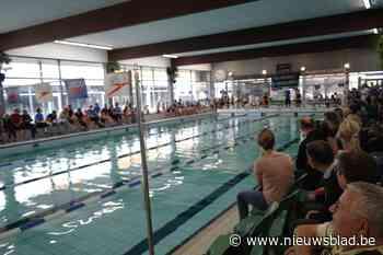 Blok-zwemmen in vernieuwd zwembad
