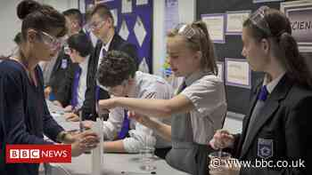 PM Boris Johnson promising £1bn to rebuild crumbling schools