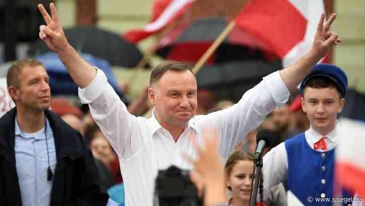 Ergebnis des ersten Wahlgangs: Polens Präsident Duda bei 43,5 Prozent - Kritik an staatlichem Fernsehen - DER SPIEGEL