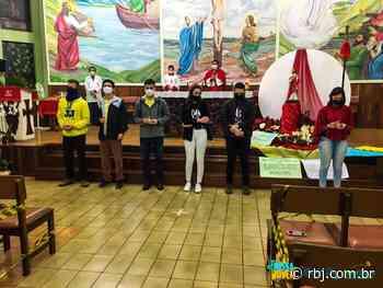 Decanato de Realeza celebrou a Missa Jovem, na Paróquia de Pérola - RBJ