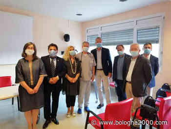 Una centralina di monitoraggio dei parametri vitali donata all'ospedale di Guastalla dai Lions Club - Bologna 2000