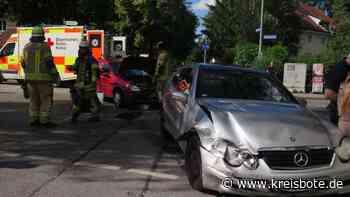 Unfall in Puchheim: Zwei Pkw prallen frontal ineinander - Kinder erleiden Schock, Totalschaden an Pkw - Kreisbote
