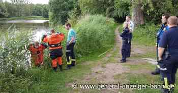 Passanten melden vermeintliche Babyleiche: Puppe löst Feuerwehreinsatz an Weiher in Siegburg aus - General-Anzeiger Bonn