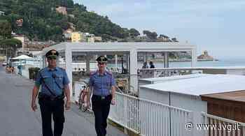 Andora, semina il panico molestando i passanti sul lungomare e aggredisce i carabinieri: arrestato - IVG.it