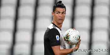 Ronaldo überrascht mit Blumen-Outfit - oe24.at