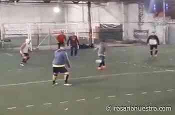 """¡Ya se juega!: las primeras imágenes del """"metegol humano"""" en - Rosario Nuestro"""