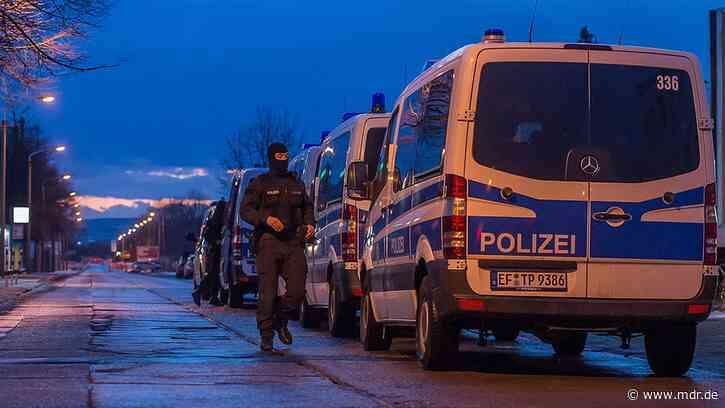 LKA Thüringen sprengt Drogenring in Weimar - Spur zur Mafia - MDR