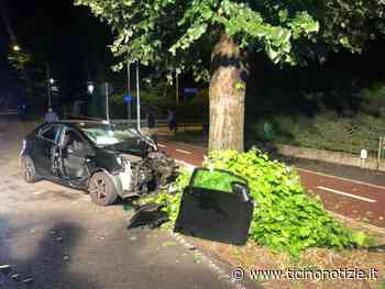 Inveruno: colpo di sonno alla guida e l'auto finisce contro l'albero. La ragazza rimane incastrata tra le lamiere - Ticino Notizie