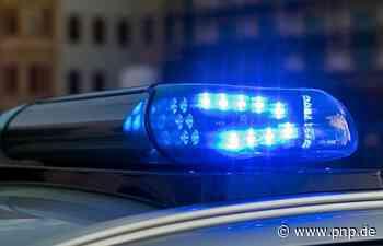 Nasse Straße: Auto überschlägt sich - Ebersdorf bei Coburg - Passauer Neue Presse