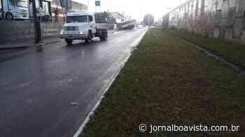 Carreta desengata do cavalo mecânico na paralela da BR 153, em Erechim - Jornal Boa Vista