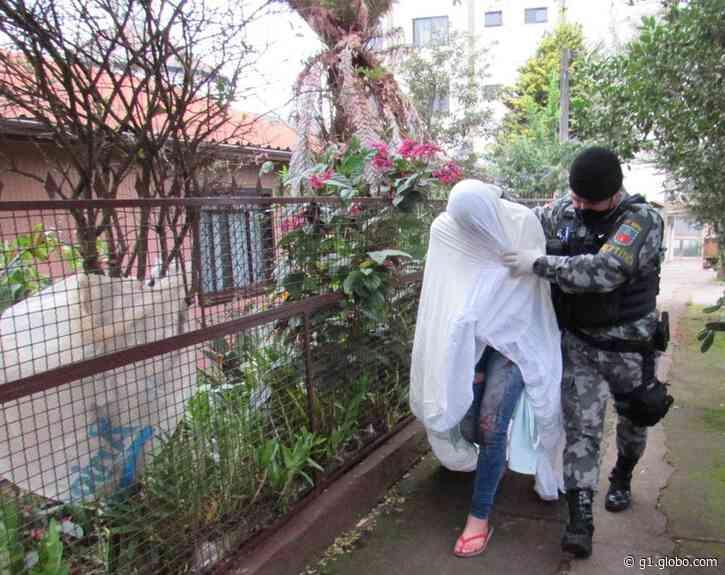 Jovem é presa suspeita de matar homem em motel de Erechim - G1