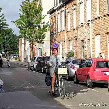 Kleuterjuffen worden uitgewuifd door de hele buurt (Mechelen) - Gazet van Antwerpen