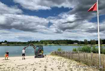 Tien compartimenten op strand van De Plas (Houthalen-Helchteren) - Het Belang van Limburg