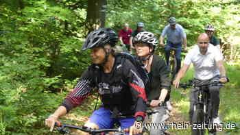 Ministerin radelt auf Sommertour bei Stromberg: Höfken singt Loblied auf Erholung im Wald - Rhein-Zeitung