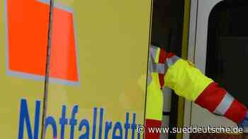 Mutmaßlicher Raser kracht in Wagen: Beide Fahrer verletzt - Süddeutsche Zeitung