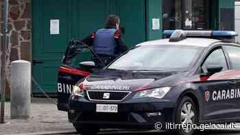 Marina di Carrara, finge di fare jogging, si avvicina e tenta di rubargli il Rolex - Il Tirreno