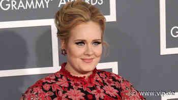 Adele feiert ihr schlankes neues Selbst und holt Kleid von 2016 raus - VIP.de, Star News