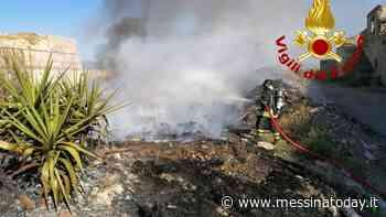 Incendio alla Real Cittadella, discarica abusiva appesta l'aria - MessinaToday