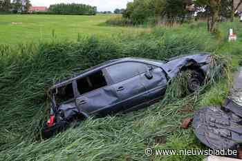 Alweer ongeval op glad wegdek 's Heerwillems: drie gewonden naar ziekenhuis
