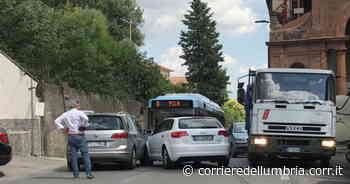 Perugia, incidente stradale alle porte della città: traffico bloccato - Corriere dell'Umbria