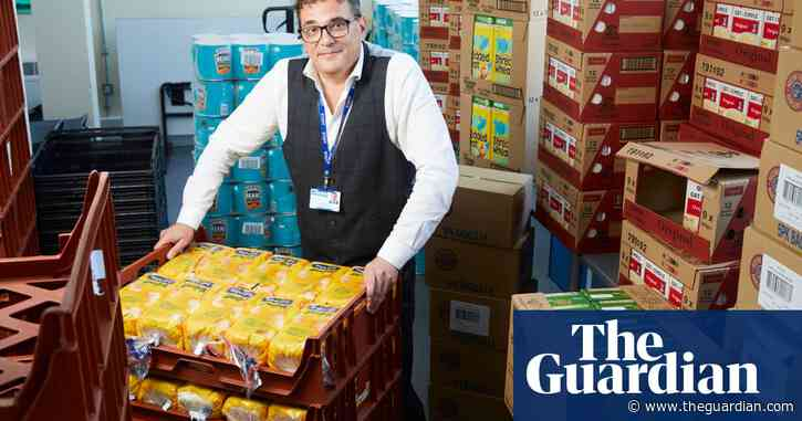 Headteachers out of pocket and children hungry in England's school meals chaos