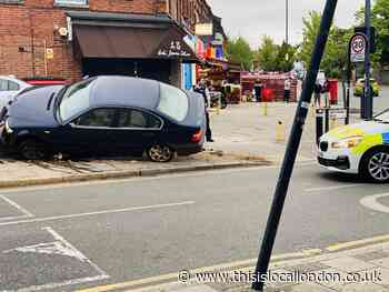 Car crashes into a wall during Harrow Weald police chase