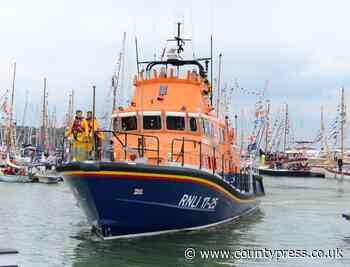 Yacht aground near Yarmouth - Isle of Wight County Press