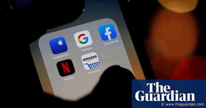 Ministers urged to limit Facebook and Google's power over ad market